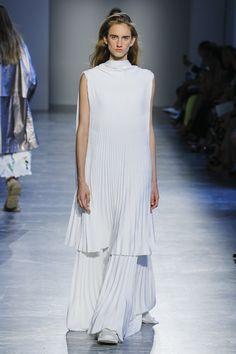Agnona Spring 2019 Ready-to-Wear Collection - Vogue Подиумная Мода, Высокая  Мода 5cd6e93bdd3