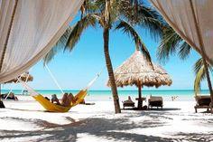 La isla Holbox, frente a la Península de Yucatán, es difícil de encontrar: un destino que hasta ahora ha permanecido fuera del radar, con buena comida, buenos hoteles y lejos de la agitación.