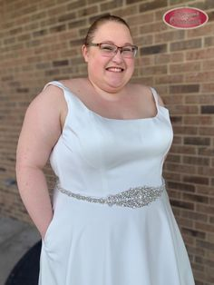 Clean and sleek wedding dress featuring a scoop neckline and pockets! [21A6819] #ImAtEO #elegant #elegantoccasions #wedding #weddingdress #weddingideas #clean #sleek #plussize #plussizeweddingdress #dress #scoopneck #aline #bling #bride #bridetobe #2021bride #2022bride #2021wedding #2022wedding Sleek Wedding Dress, Elegant Dresses, Formal Dresses, Bridal Suite, Plus Size Wedding, Personal Stylist, Weddingideas, Bridal Dresses, Scoop Neck