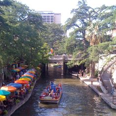 San Antonio Riverwalk: oh the college memories (Mad Dog's, FatTuesday's & Howl at the Moon) Miss this town