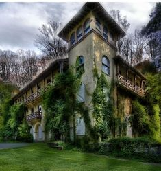 Old abandoned building in National Park Seminary— later called National Park College — was a private girls' school open from 1894 to 1942. Located in Forest Glen, Maryland, its name alludes to nearby Rock Creek Park.