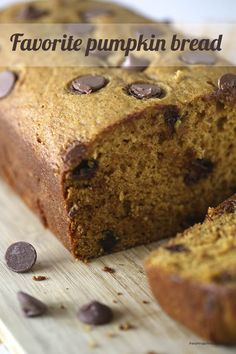 Boy do I have a yummy pumpkin bread recipe for you today! This bread is super soft and moist! The best part? It tastes even better the second day! I think it gives the bread more time to soak in all the pumpkin goodness. Just Desserts, Delicious Desserts, Dessert Recipes, Yummy Food, Tasty, Dessert Ideas, Pumpkin Chocolate Chip Bread, Pumpkin Bread, Chocolate Cake