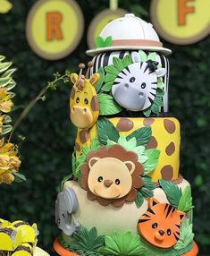 Coração cheio de gratidão pela foto e principalmente pelas palavras carinhosa. Safari Party, Jungle Safari Cake, Jungle Theme Cakes, Safari Baby Shower Cake, Safari Cakes, Jungle Party, Jungle Birthday Cakes, Safari Theme Birthday, Baby Boy 1st Birthday Party