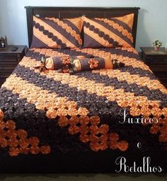 Floral Baby Blanket pattern by Adi Keren Ruffle Bedspread, Bed Cover Design, Fabric Manipulation Techniques, Yo Yo Quilt, Easy Crafts To Make, Bed Covers, Bed Spreads, Bed Sheets, Quilt Patterns