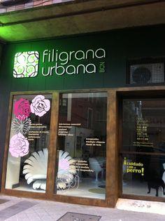 Fachada local Filigrana Urbana. Letras corporeas , vinilos decorativos. www.filigranaurbana.com