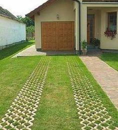 Cool Backyard Pavers and Grass Design « Desing Permeable Driveway, Stone Driveway, Driveway Design, Driveway Landscaping, Small Backyard Landscaping, Backyard Pavers, Driveway Ideas, Driveways, Grass Pavers
