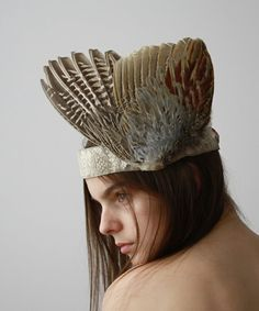 Check Out These Gorgeous Hippie-Chic Headpieces Native American Headdress, Feather Headpiece, Hat Hairstyles, Hippie Chic, Headgear, Headpieces, Fashion Art, Wings, Boho