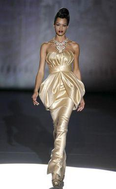 Cibeles Madrid Fashion Week >> makes for an interesting bridal look or reception dress