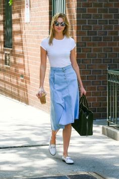 Karlie Kloss spotted in NYC on May 23 2016 #streetsyle