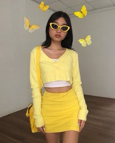 Shared by Ana🌸. Find images and videos about girl, outfit and aesthetic on We Heart It - the app to get lost in what you love. Retro Outfits, Cute Casual Outfits, Vintage Outfits, Girl Outfits, Fashion Outfits, Yellow Outfits, Yellow Shoes, Yellow Dress, Fashion Weeks