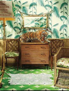 """Tropical Style wallpaper and furniture from AD Spain. Wallpaper """" Palm Leaves"""" Cole and Son. http://www.aufildescouleurs.com/contemporary-restyled/503-palm-jungle-95-1009.html"""