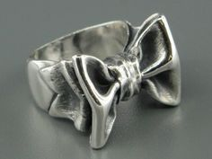 James Avery 80s Bow Ring... HUGE!!