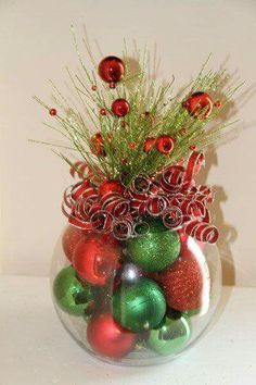 Items similar to Christmas Table Decor Centerpiece Red and Green for Holiday Home - Classic Xmas Decorations - Christmas Wedding - Corporate Party on Etsy Noel Christmas, Winter Christmas, Christmas Wreaths, Christmas Ornaments, Simple Christmas, Green Christmas, Christmas Wedding, Christmas Projects, Holiday Crafts