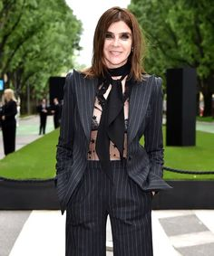 Armani Suits- How To Wear A Suit To A Party Suit Fashion, Party Fashion, Fashion Art, Womens Power Suit, Suits For Women, Women Wear, All Black Suit, Armani Suits, Carine Roitfeld