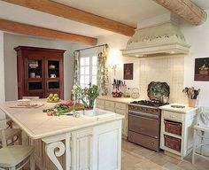https://flic.kr/p/529PQK   frenchkitchen4 by Susan Serra CKD courtesy of Flickr Creative Commons licensed by CC BY-SA 2.0 https://creativecommons.org/licenses/by-sa/2.0/