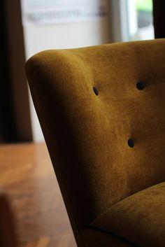 Vrban Diaries goes Vintage Diaries, Throw Pillows, Vintage, Chair, Bed, Furniture, Home Decor, Cushions, Stream Bed