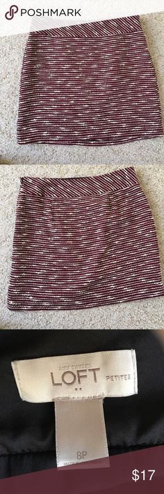 Adorable Burgundy tweed skirt This is such a cute skirt! Petite size. Burgundy tweed with the bumpy ivory thread running through it and a black stitch running through it. LOFT Skirts Mini