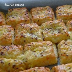 Syrové pagáče, niečo tak lahodné a chutné sa raz isto hodí každému. Slovak Recipes, Czech Recipes, Perfect Cheesecake Recipe, Cheesecake Recipes, Baking Recipes, Snack Recipes, Snacks, Bread And Pastries, Food 52