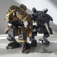 https://flic.kr/p/zV351n | lego mecha / awesome light in our kitchen