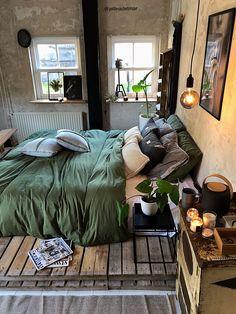 Inspiring Modern Bedroom Design Ideas and Decoration ! Part bedroom design; Modern Bedroom Design, Master Bedroom Design, Diy Pallet Sofa, Wholesale Home Decor, Home Decor Furniture, Bedroom Furniture, Pallet Furniture, Awesome Bedrooms, Unique Home Decor