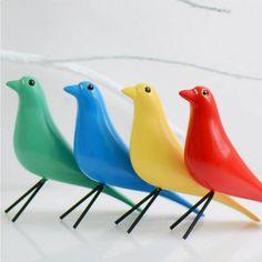 Modern Hand Made Wooden Bird Figurines Desktop Accessories, Decorative Accessories, Easy Gifts, Cute Gifts, Desktop Decor, Wood Bird, Bird Ornaments, Space Crafts, Wooden Crafts