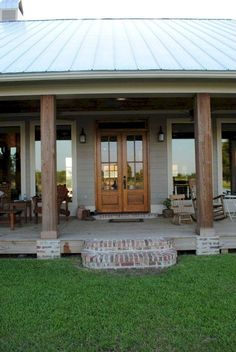 75 Stunning Farmhouse Front Porch Decorating Ideas
