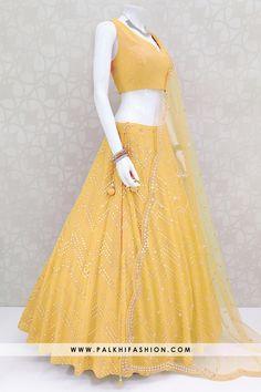 Lehenga Saree Design, Bollywood Lehenga, Red Lehenga, Party Wear Lehenga, Lehenga Choli Online, Lehenga Designs, Indian Attire, Indian Outfits, Choli Designs