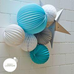 lampions ronds dans une composition - site : sous le lampion - de jolies idées !