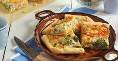 » HOZZÁVALÓK « Tészta : - 35 dkg liszt, 15 dkg vaj, 1 tojás, 1 tk só, hideg víz Feltét : - 1 cs ( 400 g fagyasz... Spanakopita, Quiche, Hamburger, Side Dishes, Pizza, Vegetables, Cooking, Breakfast, Ethnic Recipes