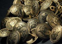 Nasturi metalici in finisaj auriu antique Coins, Personalized Items, Metal, Rooms, Metals