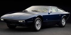 Maserati Khamsin (1974) - wyróżniał się m.in.  hydraulicznymi siedzeniami, regulowaną kolumną kierownicy i klimatyzacją w standardzie:)