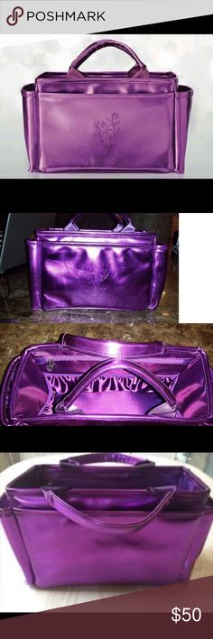 Younique presenters bag purple Brand new. Only available to presenters. Excellent makeup storage and organization. Makeup Brushes & Tools