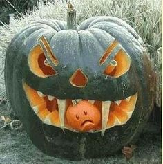 Pumpkin Carving ideas of Ghosts and other fun Halloween Creatures for halloween decoration. Look at the (PUMPKIN CARVING) ideas and create your own Spooky Halloween, Humour Halloween, Halloween Songs, Outdoor Halloween, Holidays Halloween, Halloween Pumpkins, Halloween Crafts, Happy Halloween, Halloween Decorations