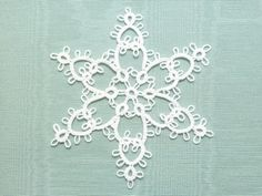 A fresh, cool snowflake from the shuttles of Snappy Tatter! The perfect size for any tree or to hang in your window, decorate gifts, enclose in a