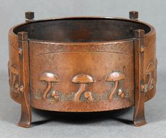 Karl Kipp: a handwrought copper fern dish, circa was made with four panels decorated with mushrooms amid incised grass. If i pressed this and didn`t cut them out. Copper Work, Copper And Brass, Antique Copper, Copper Decor, Hammered Copper, Mission Furniture, Craftsman Furniture, Art Nouveau, Roycroft