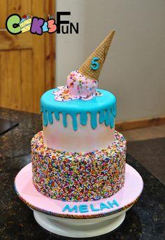 Trendy Birthday Cupcakes For Girls Kids Ice Cream Cones Ice Cream Cone Cake, Ice Cream Birthday Cake, Ice Cream Theme, Ice Cream Toppings, Ice Cream Party, Birthday Cake Girls, Birthday Cupcakes, 8th Birthday, Birthday Ideas