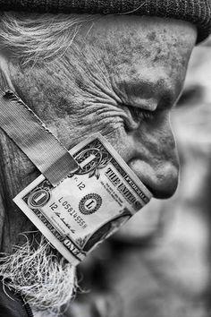 money close mouth