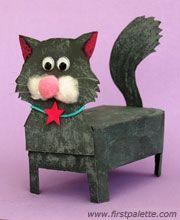 Van kartonnen dozen kun je deze katten maken.