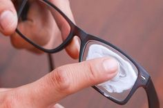 How to Remove Scratches From Plastic Lens Glasses. There is nothing worse than putting on your glasses and realizing that you still can't see clearly because the lenses are covered in scratches. If you have glasses with plastic lenses you. Simple Life Hacks, Useful Life Hacks, Fix Scratched Glasses, Wearing Glasses, Cleaning Hacks, How To Remove, Designer Shades, Remedies, Diy Cleaners