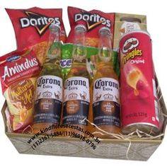 Flower Box Gift, Flower Boxes, Chocolate Bouquet Diy, Birthday Basket, Birthday Balloon Decorations, Box Roses, Presents For Boyfriend, Diy Bouquet, Doritos