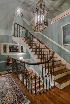 staircase in antebellum homes - Bing images - Idées de Plantation Southern Plantation Homes, Southern Mansions, Southern Homes, Southern Charm, Plantation Style Homes, Country Homes, Southern Style, Future House, Louisiana Plantations