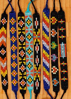 . Loom Bracelet Patterns, Bead Loom Bracelets, Bead Loom Patterns, Bead Jewellery, Beaded Jewelry, Native Beading Patterns, Beaded Earrings Native, Native American Beadwork, Loom Beading