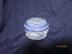 Vtge Box / Covered Bowl Canton Collection Porcelain Blue & White Two's Company