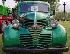 1940 Dodge Dodge Pickup Trucks, Rv Truck, Dodge Auto, Fargo Truck, Mini Trucks, Cool Trucks, Vintage Trucks, Vintage Auto, Chrysler Trucks