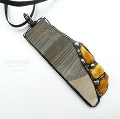 Striped flint and Baltic amber. Unique & elegant pendant. Nice and classy GIFT :) // Krzemień pasiasty z bursztynem. Unikat