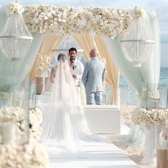 Elegant beach wedding. #weddinginspo #beachwedding #realwedding