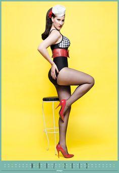 Unser März-Model: Anita P. aus Düsseldorf im 50ies Look mit Karo
