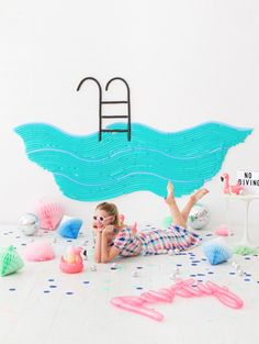10 Fun Summer Party Ideas for Kids - Petit & Small Summer Pool Party, Summer Parties, Diy Photo Backdrop, Diy Party, Party Ideas, Party Fun, Fun Ideas, Balloon Wall, Balloon Party