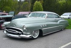 Ride Rails to Small Gem Tiny Towns & grab a free green pimped ride/just leave it parked wherever & go. Awesome for airport transportation in big cities Buick Super 50s Cars, Retro Cars, Vintage Cars, Antique Cars, Automobile, Buick Cars, American Classic Cars, Mc Laren, Hot Rides