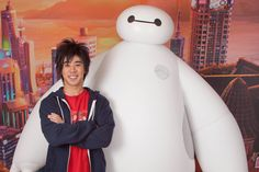After months of waiting, Big Hero 6 is finally in theaters. But the film isn't the only thing that premiered; Baymax and Hiro Hamada are now greeting guests at Disneyland and Walt Disney World!